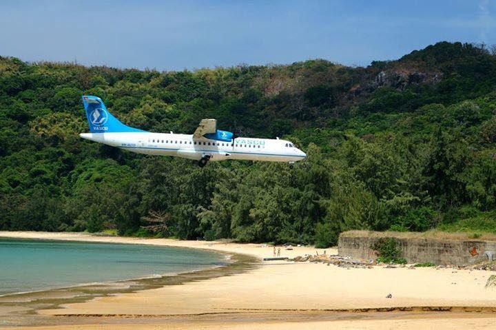 Đi máy bay tới đảo Côn Sơn